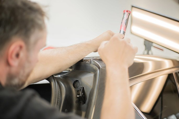 Benefits of Opting for Paintless Dent Repair for Your Vehicle